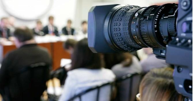 """Bộ ngành nào được báo chí """"ưu ái"""" nhất năm 2015?"""