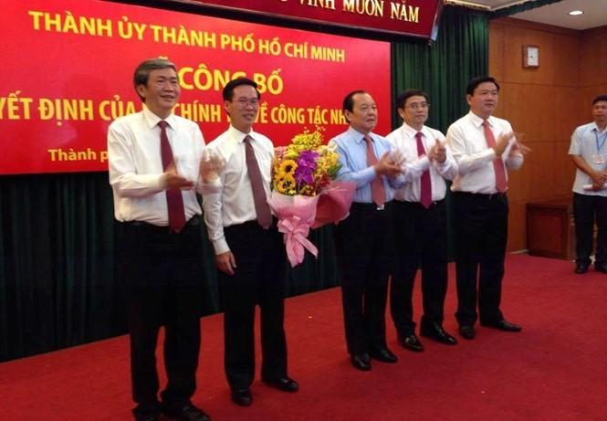 Ông Đinh La Thăng làm Bí thư Thành ủy TP. HCM; ông Võ Văn Thưởng làm Trưởng ban Tuyên giáo