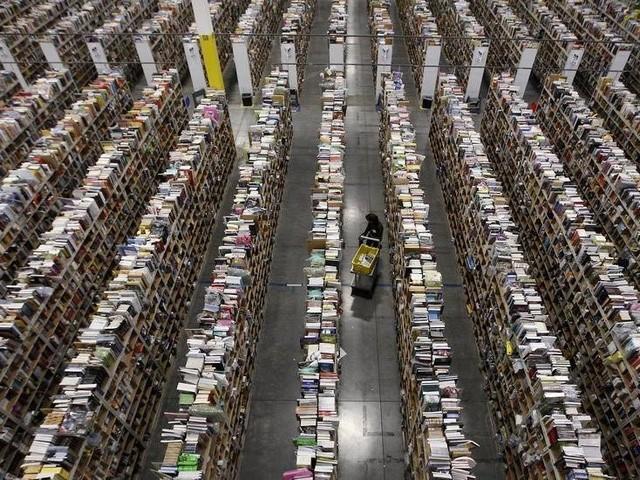 Trung tâm chuyển phát của Amazon tại Phoenix