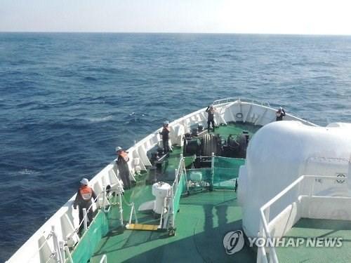 """Bộ Ngoại giao """"đeo bám"""" thông tin về 6 thuyền viên Việt mất tích tại Hàn Quốc"""