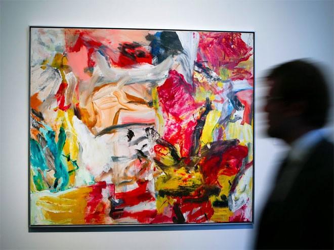 <b>Các tác phẩm nghệ thuật</b></div> <div>Chỉ giới siêu giàu mới đủ tiền sưu tập các tác phẩm nghệ thuật đắt giá, nhất là khi giá của những món hàng này đã tăng 226% trong thập kỷ qua. Không chỉ mang ý nghĩa sưu tầm, các tác phẩm nghệ thuật còn là kênh đầu tư ưa thích của tầng lớp siêu giàu. Bức họa đắt nhất được bán từ trước đến nay là một bức của danh họa Willem De Kooning (ảnh), được bán với giá 300 triệu USD vào năm 2005.