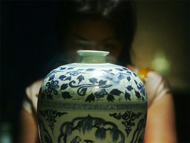 <b>Đồ gốm Trung Hoa</b></div> <div>Do được giới siêu giàu ưa chuộng, giá đồ gốm Trung Hoa đã tăng 50% kể từ năm 2006. Một chiếc bình gốm Trung Hoa thế kỷ 18 đã được bán với giá 53 triệu Bảng vào năm 2010.</div> <div>
