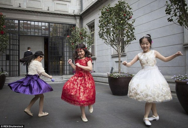 Các đại gia Trung Quốc không tiếc tiền biến con mình thành tầng lớp quý tộc thật sự.