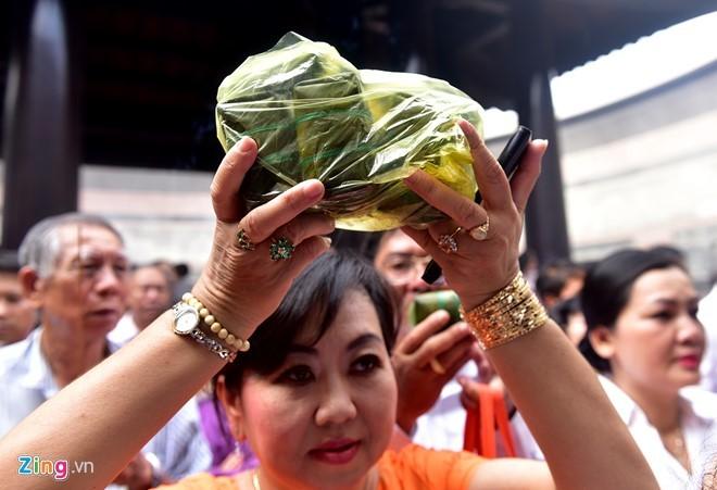 Nguoi Sai Gon dang banh chung len Vua Hung hinh anh 11