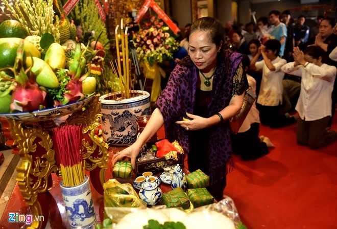 Nguoi Sai Gon dang banh chung len Vua Hung hinh anh 15