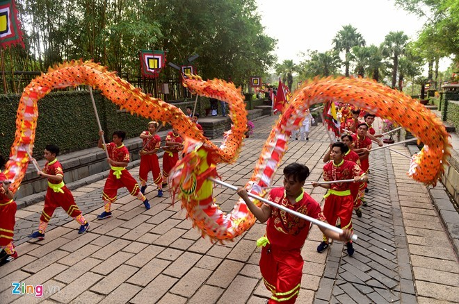 Nguoi Sai Gon dang banh chung len Vua Hung hinh anh 3