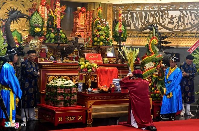 Nguoi Sai Gon dang banh chung len Vua Hung hinh anh 6