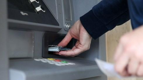Vì sao máy ATM dễ bị tin tặc tấn công? - ảnh 2