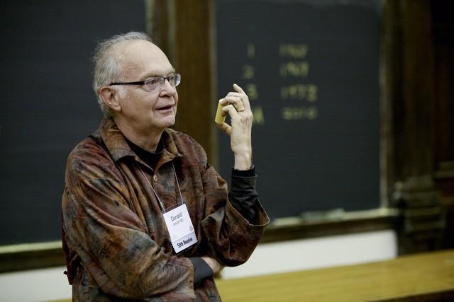 Donald Knuth - Tác giả cuốn sách.