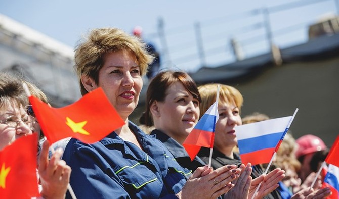 Chùm ảnh và clip tàu Gepard thứ 3 của Việt Nam hạ thuỷ ở Nga - ảnh 12