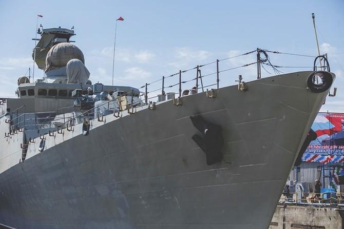 Chùm ảnh và clip tàu Gepard thứ 3 của Việt Nam hạ thuỷ ở Nga - ảnh 7