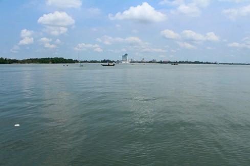 Sông Hậu trong xanh... hiểm hoạ phía sau 5