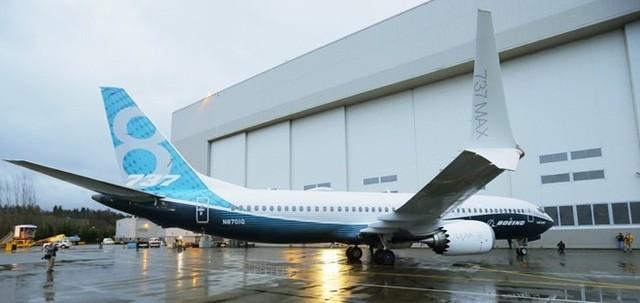 Phiên bản mới nhất của dòng 737 sẽ cạnh tranh với A320neo mới của hãng Airbus, rẻ hơn chi phí hoạt động rẻ hơn 8% so với đối thủ.