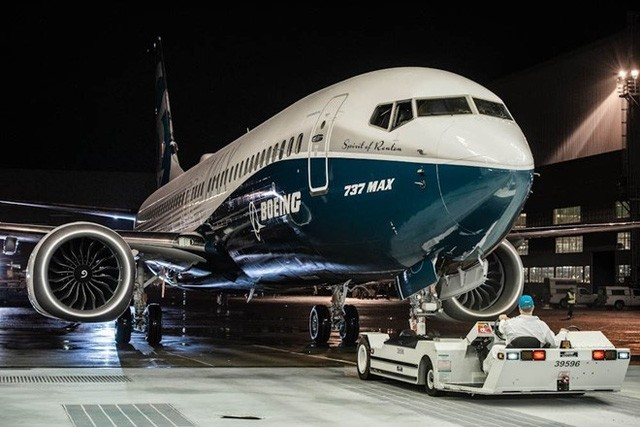 Gã khổng lồ trong ngành công nghiệp máy bay của Mỹ chọn loại quạt có đường kính 173 cm cho dòng sản phẩm này. Do đường kính quạt lớn hơn, bộ phận hạ cánh ở mũi sẽ phải kéo dài thêm từ 15 đến 20 cm.
