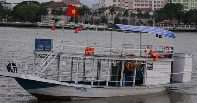 """Hình hài con """"tàu tử thần"""" nhấn chìm 56 người trên sông Hàn"""
