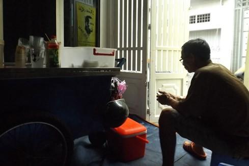 Sài Gòn những 'cơn sốt' xoài lắc, mỳ cay, bún đậu: Sớm nở, chóng tàn - ảnh 5