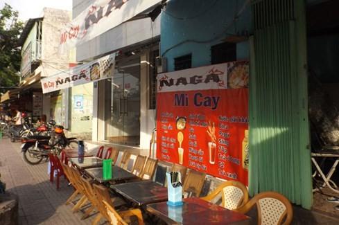 Sài Gòn những 'cơn sốt' xoài lắc, mỳ cay, bún đậu: Sớm nở, chóng tàn - ảnh 6