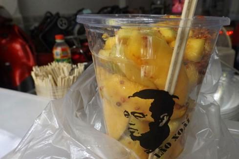 Sài Gòn những 'cơn sốt' xoài lắc, mỳ cay, bún đậu: Sớm nở, chóng tàn - ảnh 4