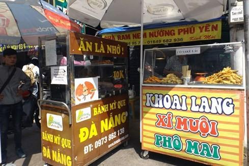 Sài Gòn những 'cơn sốt' xoài lắc, mỳ cay, bún đậu: Sớm nở, chóng tàn - ảnh 8