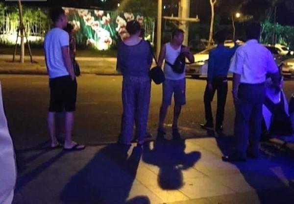 Vụ người Trung Quốc đốt tiền Việt tại Đà Nẵng: Chưa thể xử lý vì khách đã xuất cảnh!