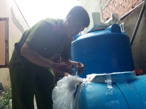 'Bùa nước muối thành nước mắm ở Sài Gòn: Dùng hóa chất Trung Quốc sản xuất - ảnh 1