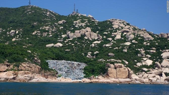 Rac tu Trung Quoc dai luc o at tan cong bo bien Hong Kong hinh anh 7