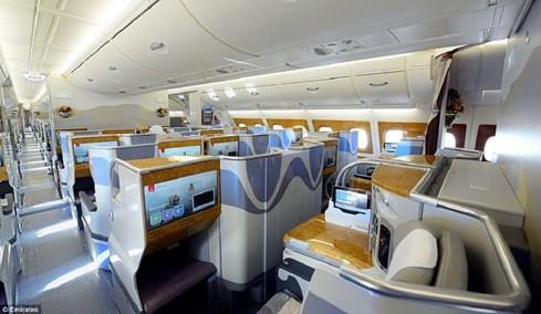 Airbus A380 - máy bay chở khách lớn nhất thế giới ế khách - ảnh 2