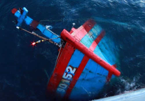 Việt Nam yêu cầu Trung Quốc bồi thường tàu cá Quảng Ngãi bị đâm chìm