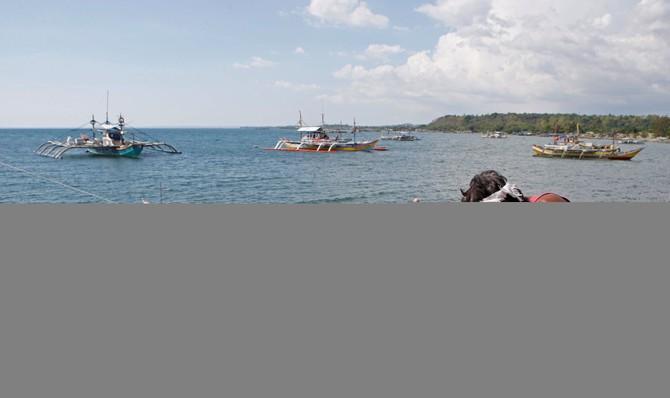 Tàu cá Trung Quốc, Đài Loan đổ xuống Trường Sa - ảnh 1