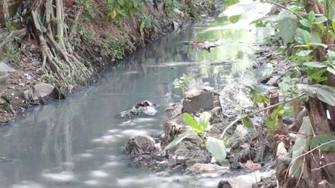 'Chiêm ngưỡng' những dòng kênh thối nhất Sài Gòn - ảnh 10