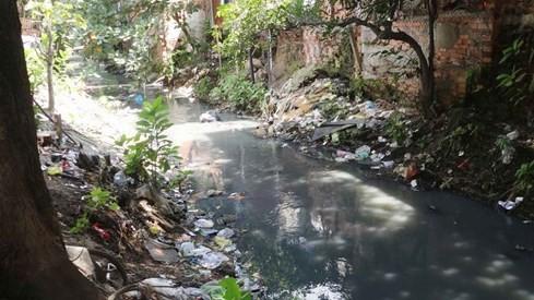 'Chiêm ngưỡng' những dòng kênh thối nhất Sài Gòn - ảnh 11