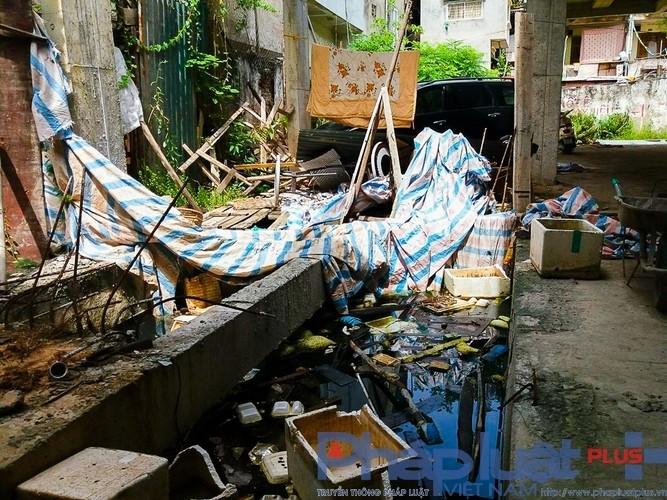 Điều này gây ô nhiễm môi trường và rất mất vệ sinh.