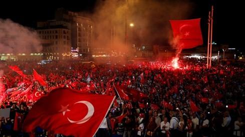 1/3 tướng tá và đô đốc quân đội Thổ Nhĩ Kỳ đang trong... nhà giam - ảnh 2