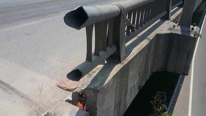 ô tô lao từ đường trên cao, đường vành đai 3, lao từ cầu Thanh Trì, tài xế tử vong khi lao từ đường trên cao