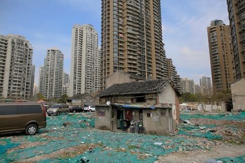 [ẢNH] Những căn nhà 'lì lợm' không chịu giải tỏa ở Trung Quốc - ảnh 13