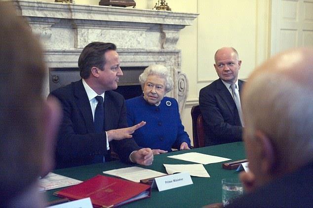 Buc anh moi nhatve cuu Thu tuong Anh Cameron: Quyen luc nay con dau?