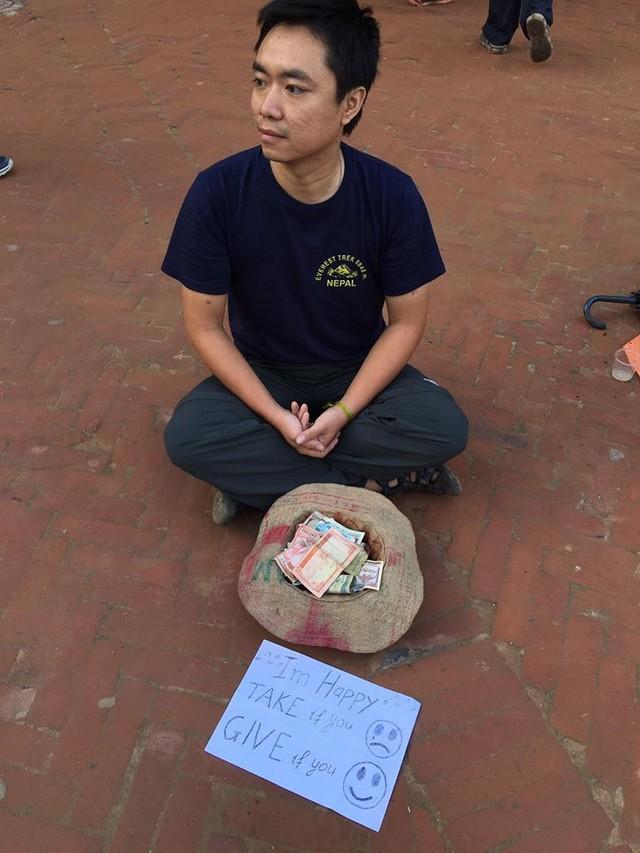Đây là anh Nguyễn Ngọc Quỳnh, người đã có một thử nghiệm xã hội rất độc đáo ở Nepal. Anh biến mình trở thành một người ăn xin nhưng sẵn sàng cho những người kém may mắn. (Ảnh: Nguyễn Ngọc Quỳnh)