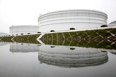 Thế giới khó hiểu với kho trữ dầu mỏ của Trung Quốc - ảnh 2