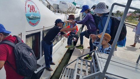 Kiên Giang: có vé trên tay nhưng vẫn bị bỏ lại vì… tàu quá tải 1