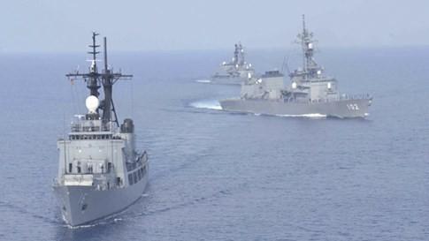 Nhật sẽ tuần tra chung với Mỹ ở Biển Đông, tăng viện trợ cho Việt Nam - ảnh 1