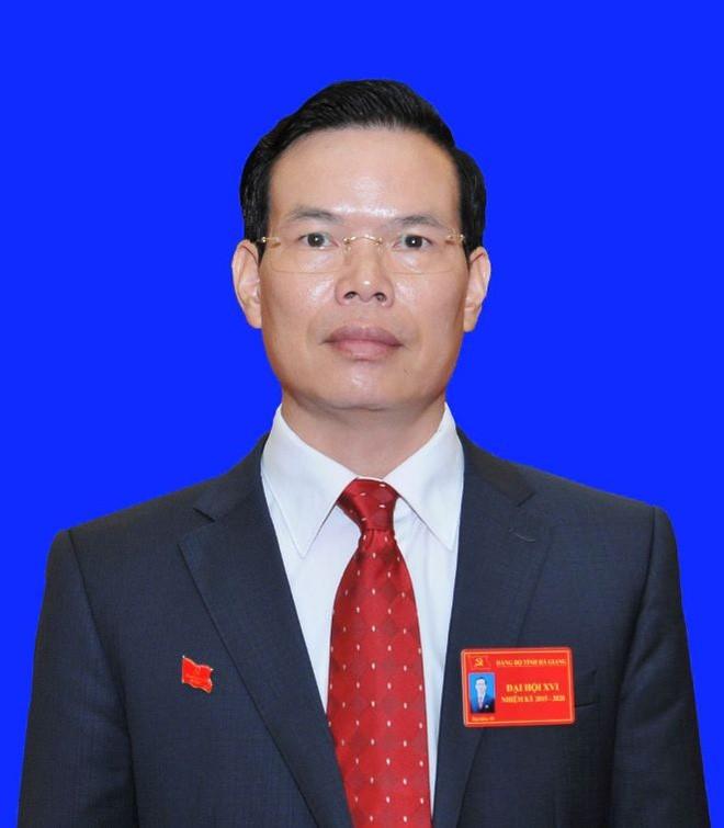Bí thư Hà Giang nói về việc nhiều người thân làm lãnh đạo - Ảnh 1.