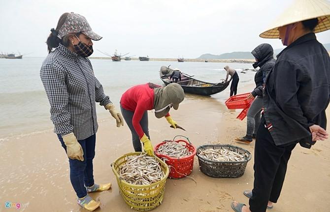 """Sự cố Formosa """"đẩy"""" 25.000 người Hà Tĩnh rơi vào cảnh thất nghiệp"""