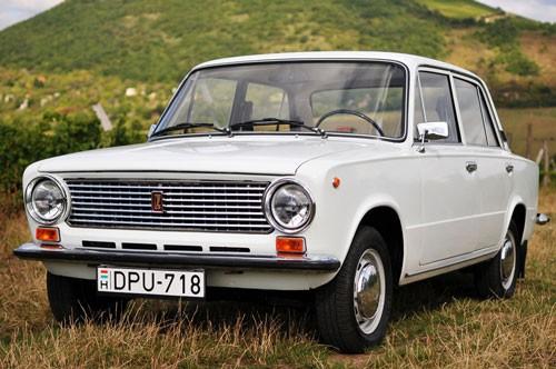 xe, mẫu xe, ô tô, Liên Xô, Volga, Lada, Uaz, Niva, giá rẻ, đơn giản, dễ sửa chữa, giao thông, off-road.
