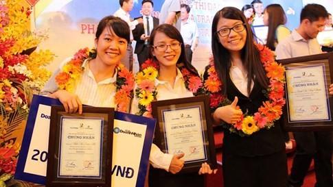 Nữ sinh khởi nghiệp với 3 triệu đồng và son môi tự chế từ gấc - ảnh 7