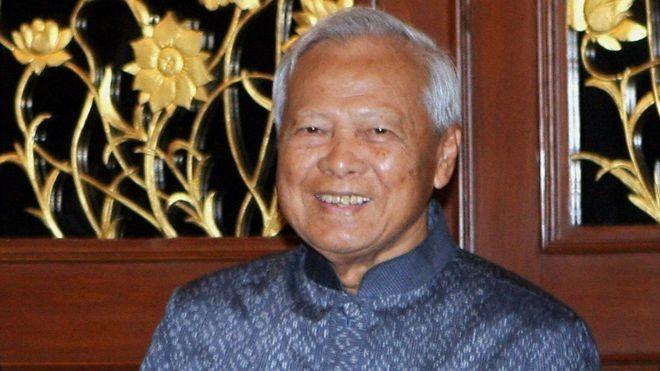 Ong Thaksin va cuoc doi dau that bai voi tuong Prem hinh anh 2