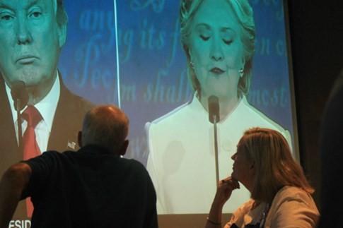 Người Mỹ ở Sài Gòn ngao ngán vì tranh luận Hillary - Trump - ảnh 4