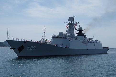 Tàu Hải quân Trung Quốc thăm Cảng quốc tế Cam Ranh - ảnh 1