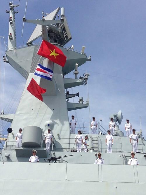 Tàu Hải quân Trung Quốc thăm Cảng quốc tế Cam Ranh 2