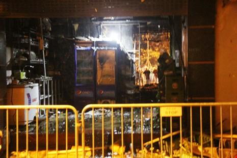 Hoang tàn sau vụ cháy kinh hoàng quán karaoke ở Hà Nội - ảnh 3
