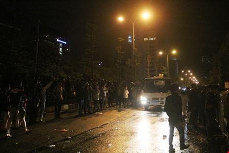 Hoang tàn sau vụ cháy kinh hoàng quán karaoke ở Hà Nội - ảnh 10